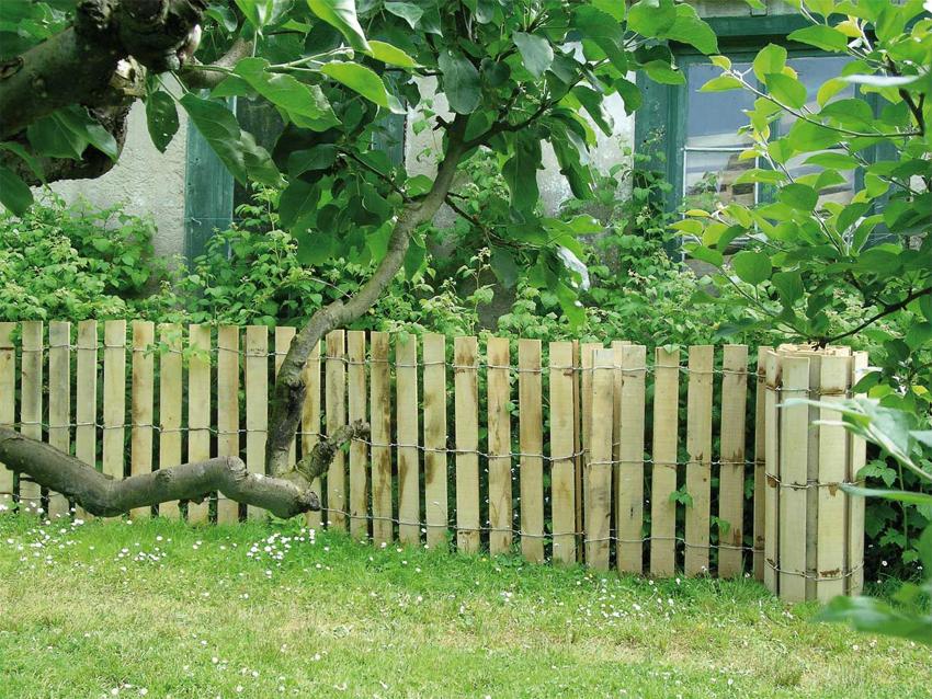clôture ganivelle portail bois châtaignier Kastané #010