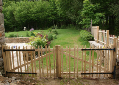 clôture ganivelle portail bois châtaignier Kastané #089