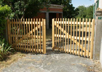 portail en bois de châtaignier Kastané